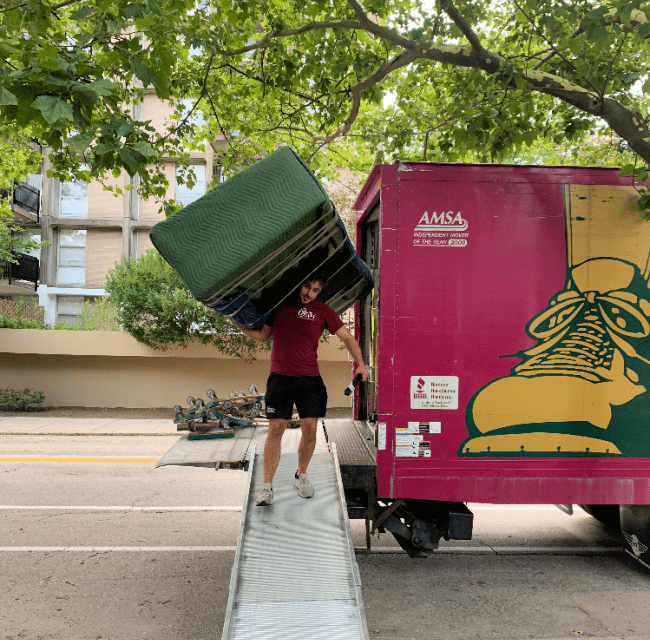 What Makes Gentle Giant a Top-Rated Moving Company?